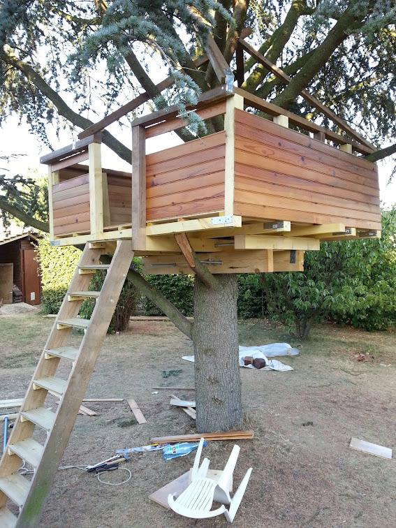 faire une cabane dans un arbre perfect cabanes dans les arbres with faire une cabane dans un. Black Bedroom Furniture Sets. Home Design Ideas
